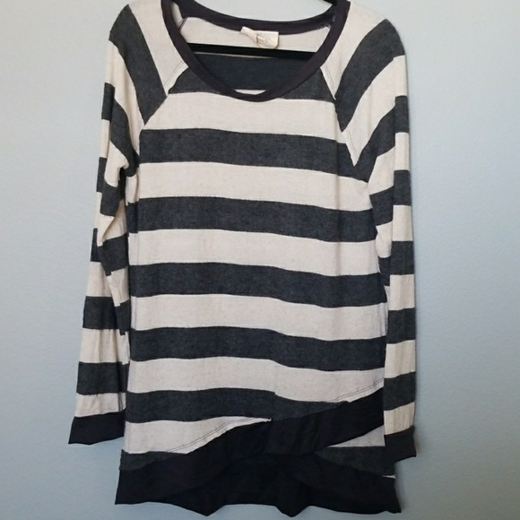 Fantastic Fawn Sweaters - Fantastic fawn long length striped sweater large